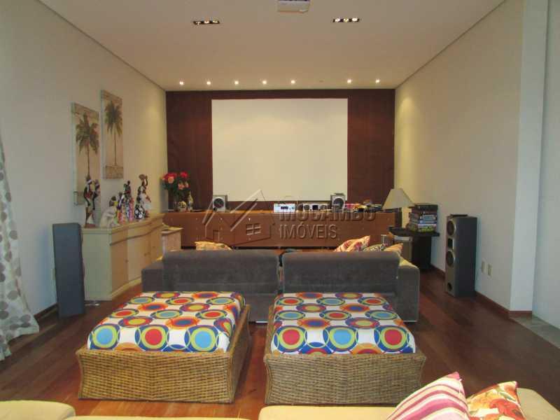 Sala Home telão - Casa À Venda no Condomínio Ville Chamonix - Condomínio Ville Chamonix - Itatiba - SP - FCCN40065 - 10