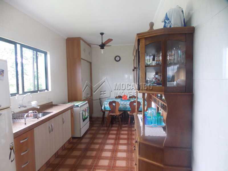 cozinha - Casa À Venda no Condomínio Capela do Barreiro - Capela do Barreiro - Itatiba - SP - FCCN30199 - 17