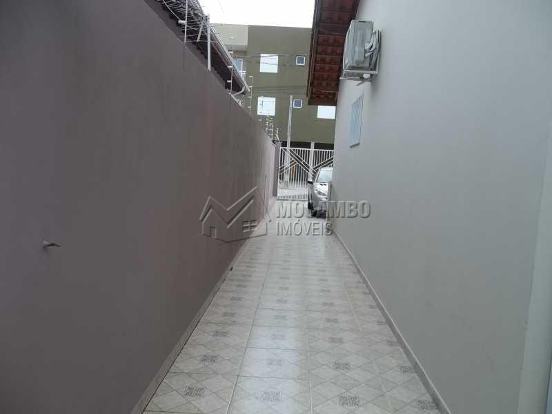 quintal lateral isolado - Casa 4 quartos à venda Itatiba,SP - R$ 380.000 - FCCA40094 - 8