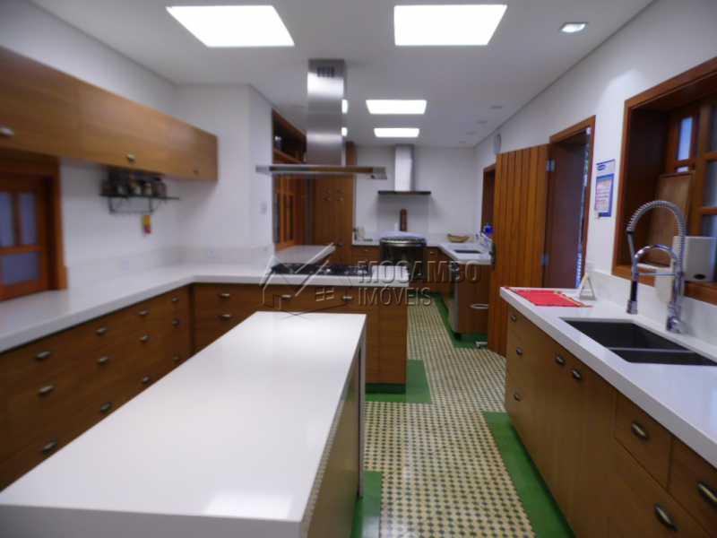 cozinha planejada - Casa Para Venda ou Aluguel no Condomínio Itaembú - Sítio da Moenda - Itatiba - SP - FCCN30239 - 4