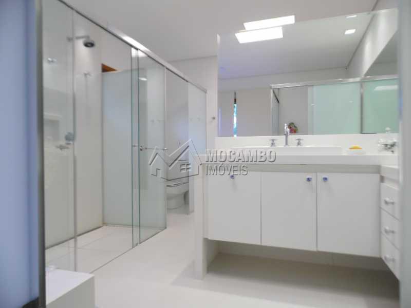 w.c. suite - Casa Para Venda ou Aluguel no Condomínio Itaembú - Sítio da Moenda - Itatiba - SP - FCCN30239 - 14