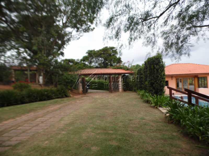 vagas de estacionamento - Casa Para Venda ou Aluguel no Condomínio Itaembú - Sítio da Moenda - Itatiba - SP - FCCN30239 - 22