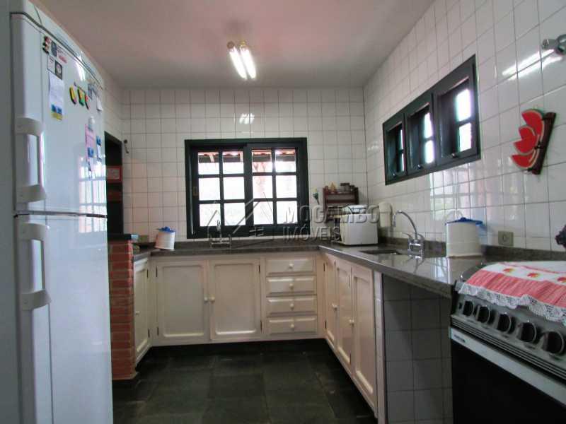 Cozinha  - Casa À Venda no Condomínio Capela do Barreiro - Capela do Barreiro - Itatiba - SP - FCCN30247 - 13