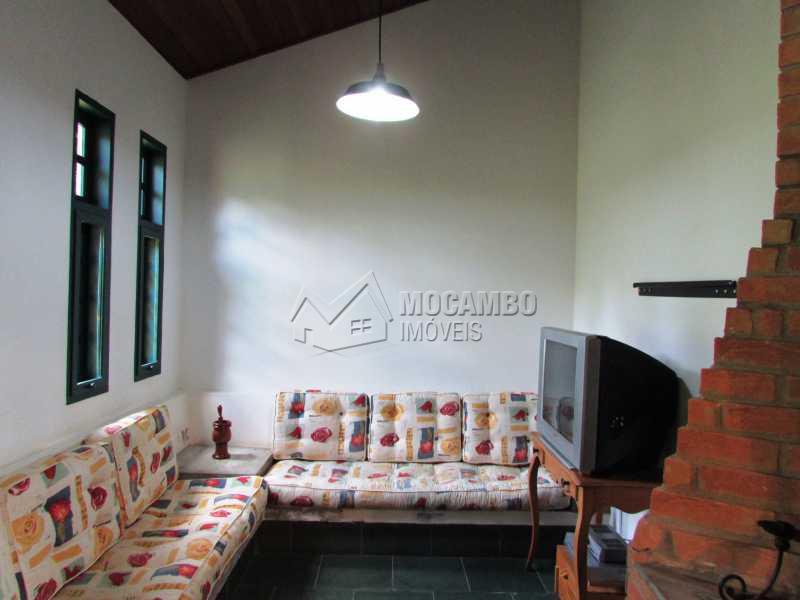 Sala Lareira  - Casa À Venda no Condomínio Capela do Barreiro - Capela do Barreiro - Itatiba - SP - FCCN30247 - 18