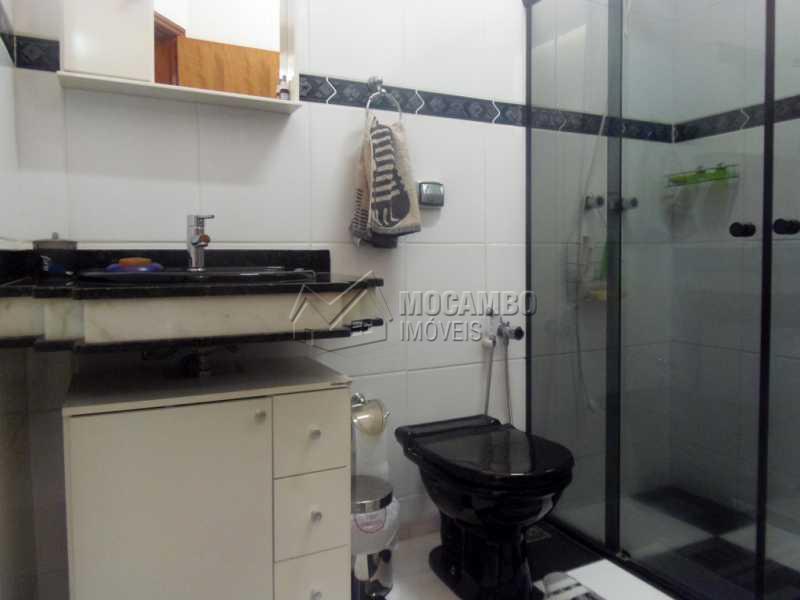 Banheiro Suíte - Casa À Venda no Condomínio Ville Chamonix - Jardim Nossa Senhora das Graças - Itatiba - SP - FCCN30267 - 14