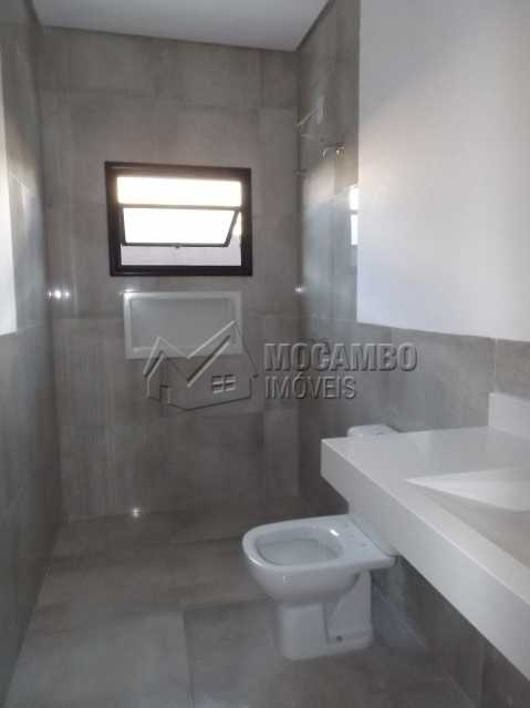Banheiro Suíte - Casa em Condominio À Venda - Itatiba - SP - Residencial Fazenda Serrinha - FCCN30271 - 12