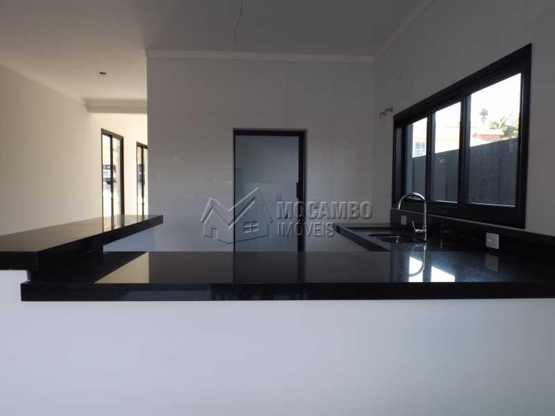 Cozinha Americana - Casa em Condominio À Venda - Itatiba - SP - Residencial Fazenda Serrinha - FCCN30271 - 15