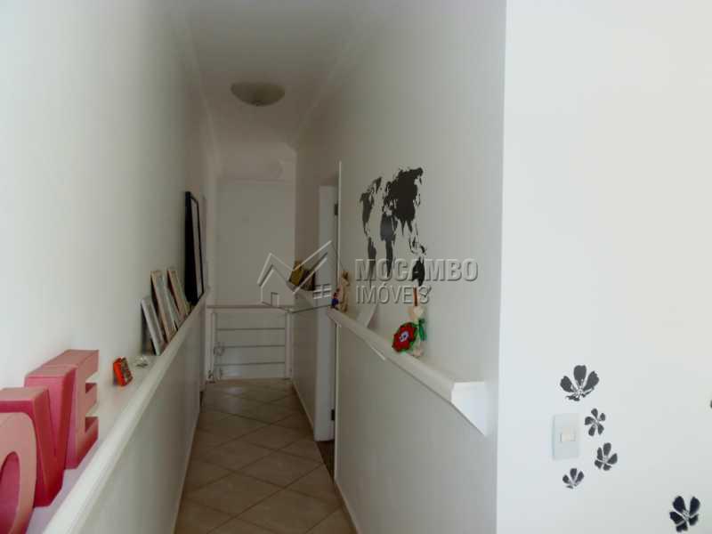 Corredor - Casa em Condominio À Venda - Itatiba - SP - Residencial Fazenda Serrinha - FCCN30276 - 25