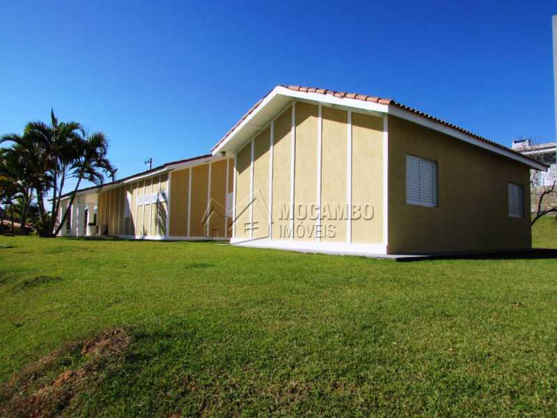 Fundos - Casa À Venda no Condomínio Ville Chamonix - Jardim Nossa Senhora das Graças - Itatiba - SP - FCCN30281 - 8