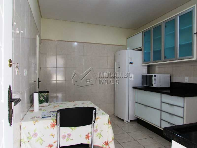 Cozinha - Casa À Venda no Condomínio Ville Chamonix - Jardim Nossa Senhora das Graças - Itatiba - SP - FCCN30281 - 11