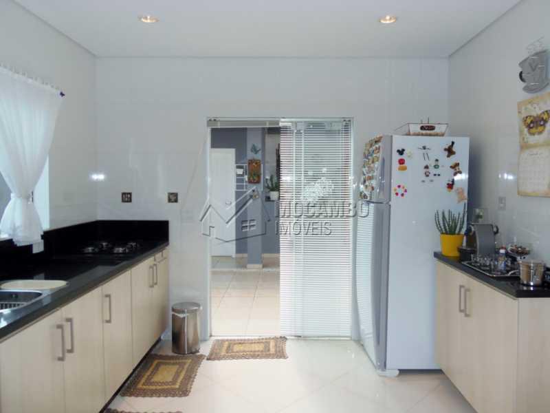 Cozinha com despensa - Casa em Condominio À Venda - Itatiba - SP - Residencial Fazenda Serrinha - FCCN30282 - 4