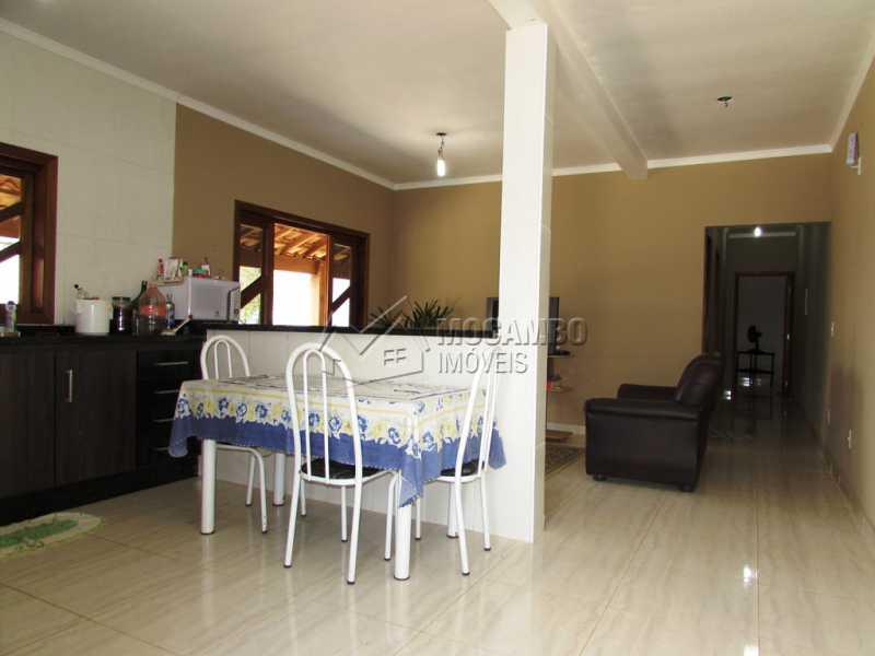 Cozinha e sala - Chácara À Venda - Itatiba - SP - Vivendas do Engenho D´Água - FCCH20051 - 9