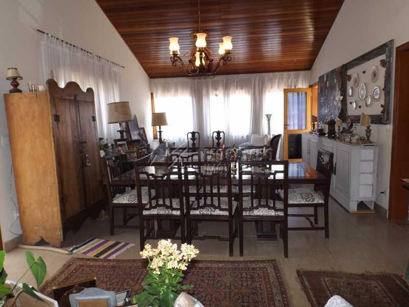 Sala - Casa À Venda no Condomínio Itatiba Country Club - Residencial Fazenda Serrinha - Itatiba - SP - FCCN40091 - 11