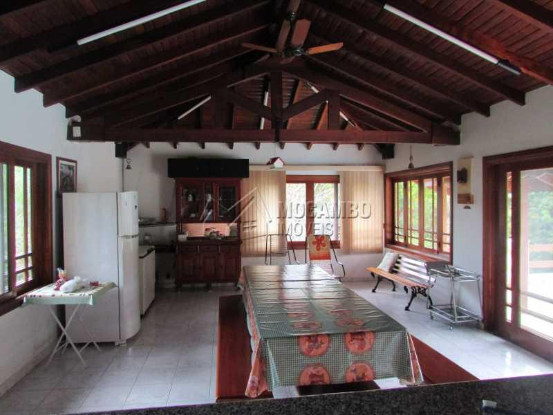 Churrasqueira - Casa À Venda no Condomínio Itaembú - Sítio da Moenda - Itatiba - SP - FCCN30283 - 14