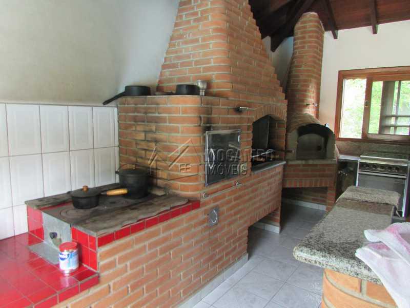 Fogão a Lenha - Casa À Venda no Condomínio Itaembú - Sítio da Moenda - Itatiba - SP - FCCN30283 - 15