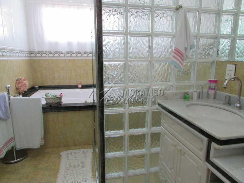 Banheiro Suíte Master - Casa À Venda no Condomínio Ville Chamonix - Condomínio Ville Chamonix - Itatiba - SP - FCCN60003 - 19