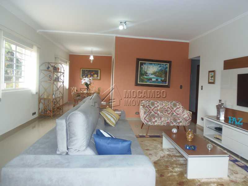 Sala - Casa À Venda no Condomínio Capela do Barreiro - Capela do Barreiro - Itatiba - SP - FCCN30284 - 4
