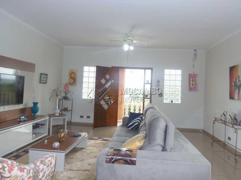 Sala - Casa À Venda no Condomínio Capela do Barreiro - Capela do Barreiro - Itatiba - SP - FCCN30284 - 6