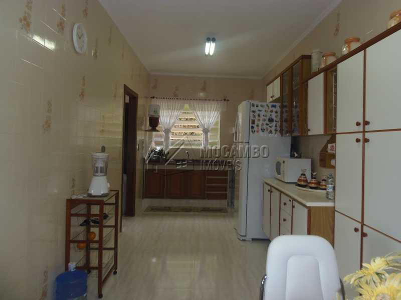 Cozinha - Casa À Venda no Condomínio Capela do Barreiro - Capela do Barreiro - Itatiba - SP - FCCN30284 - 7