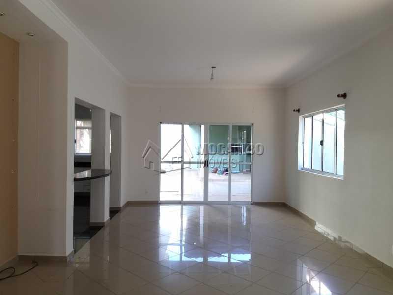 Sala - Casa em Condominio À Venda - Itatiba - SP - Residencial Fazenda Serrinha - FCCN30287 - 3