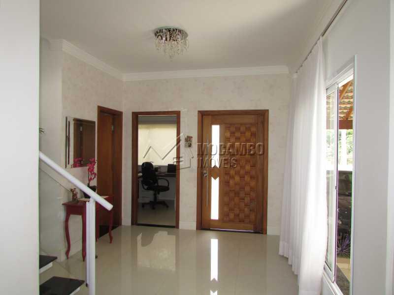 Hall de entrada - Casa em Condomínio Bosque dos Pires, Rodovia Alkindar Monteiro Junqueira,Itatiba, Bairro Sítio da Moenda, SP À Venda, 4 Quartos, 358m² - FCCN40100 - 3