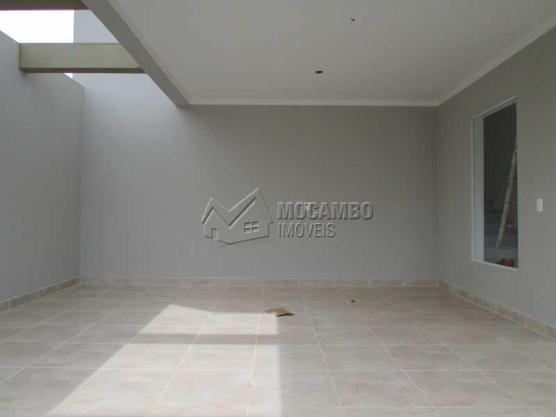 Garagem coberta  - Casa em Condominio À Venda - Itatiba - SP - Residencial Fazenda Serrinha - FCCN30307 - 5