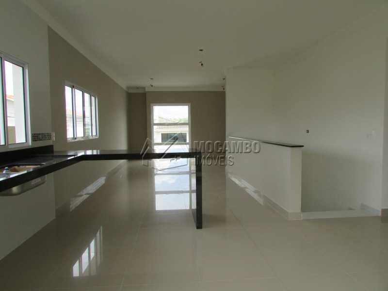 Cozinha/ Sala  - Casa em Condominio À Venda - Itatiba - SP - Residencial Fazenda Serrinha - FCCN30307 - 7