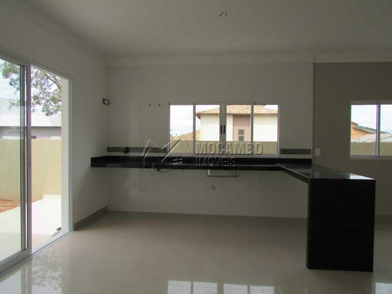 Cozinha  - Casa em Condominio À Venda - Itatiba - SP - Residencial Fazenda Serrinha - FCCN30307 - 15