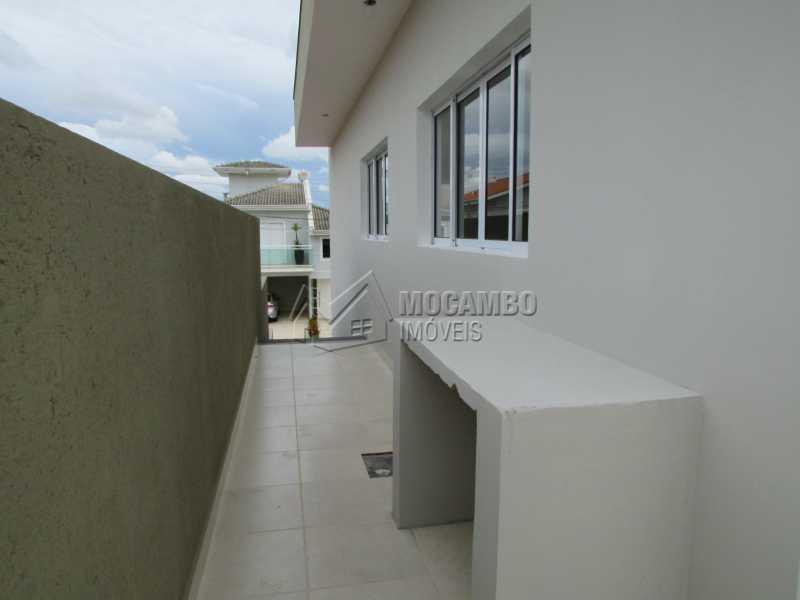Corredor  - Casa em Condominio À Venda - Itatiba - SP - Residencial Fazenda Serrinha - FCCN30307 - 20