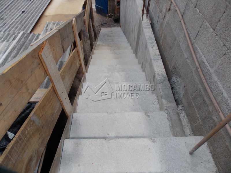 Escada - Casa À Venda - Itatiba - SP - Loteamento Parque da Colina II - FCCA10181 - 8