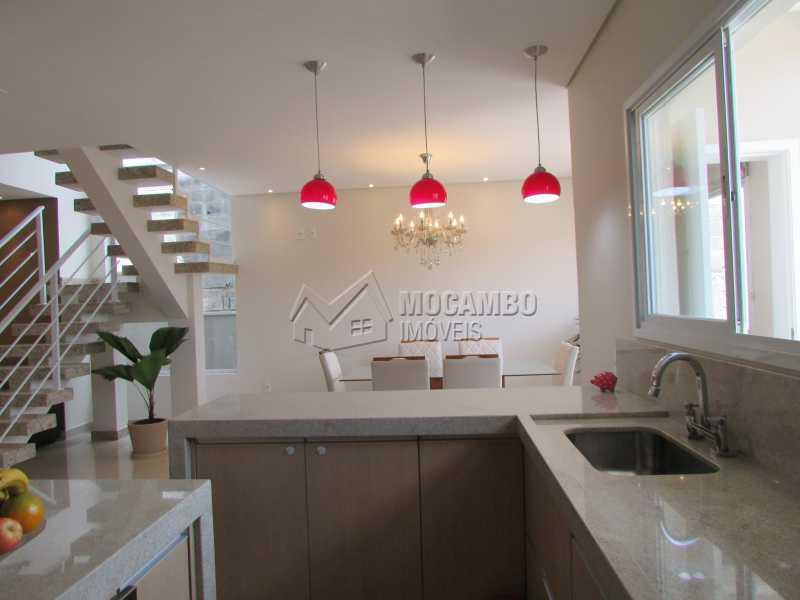 Cozinha  - Casa À Venda no Condomínio Itatiba Country Club - Residencial Fazenda Serrinha - Itatiba - SP - FCCN30311 - 7
