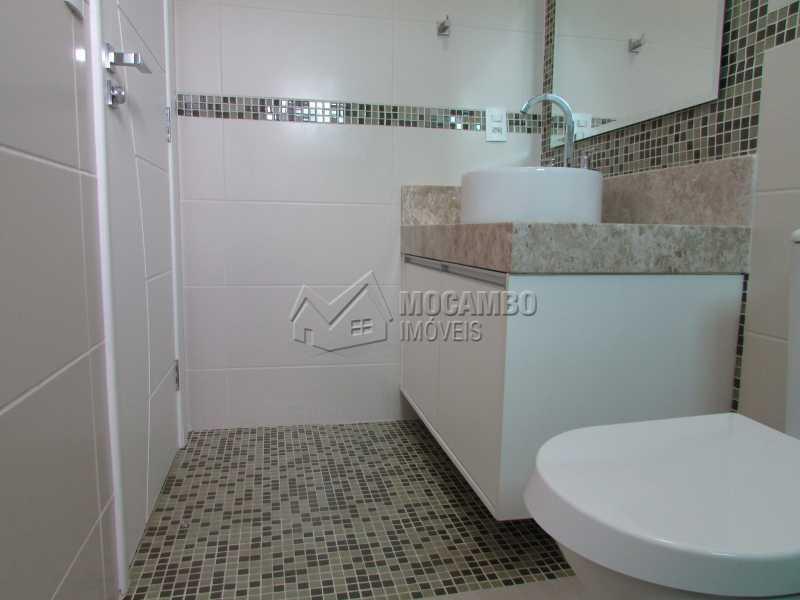 Banheiro Suíte  - Casa À Venda no Condomínio Itatiba Country Club - Residencial Fazenda Serrinha - Itatiba - SP - FCCN30311 - 10