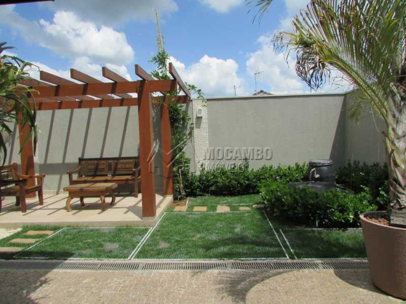 Quintal  - Casa À Venda no Condomínio Itatiba Country Club - Residencial Fazenda Serrinha - Itatiba - SP - FCCN30311 - 22