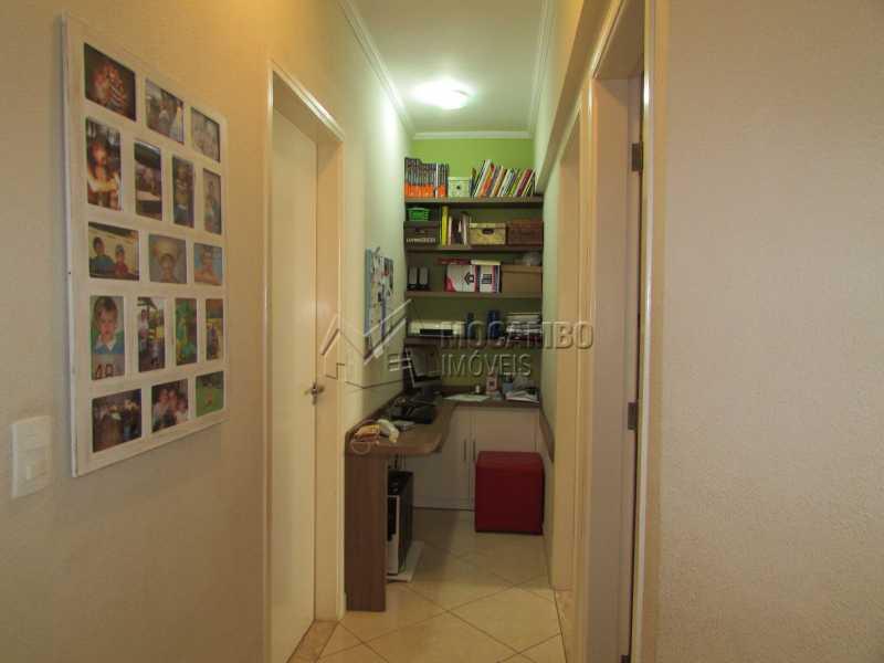 Corredor com escritório  - Apartamento Condomínio Residencial Tescarollo, Rua João Franco Penteado,Itatiba, Vila Penteado, SP À Venda, 3 Quartos, 90m² - FCAP30407 - 9