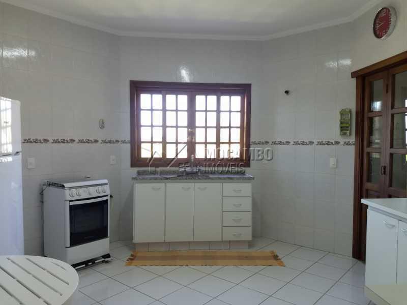 Cozinha - Casa Para Alugar no Condomínio Capela do Barreiro - Capela do Barreiro - Itatiba - SP - FCCN30317 - 11