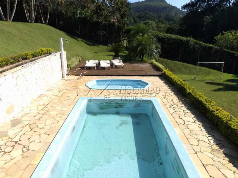 Piscinas - Casa Para Alugar no Condomínio Capela do Barreiro - Capela do Barreiro - Itatiba - SP - FCCN30317 - 8