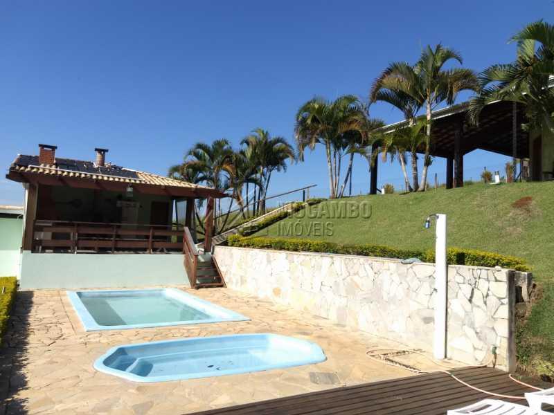 Área de Piscina - Casa Para Alugar no Condomínio Capela do Barreiro - Capela do Barreiro - Itatiba - SP - FCCN30317 - 4