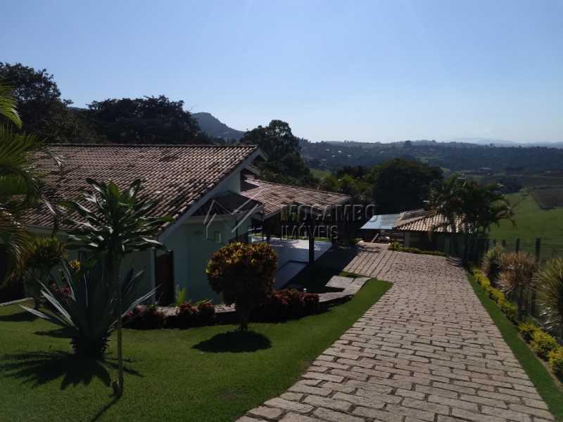 Área Externa - Casa Para Alugar no Condomínio Capela do Barreiro - Capela do Barreiro - Itatiba - SP - FCCN30317 - 3