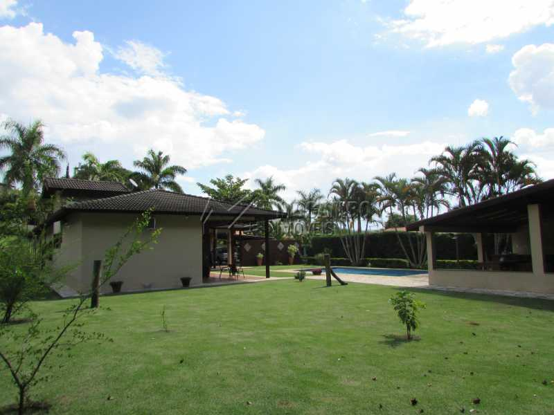 Quintal - Casa À Venda no Condomínio Ville Chamonix - Jardim Nossa Senhora das Graças - Itatiba - SP - FCCN40103 - 7