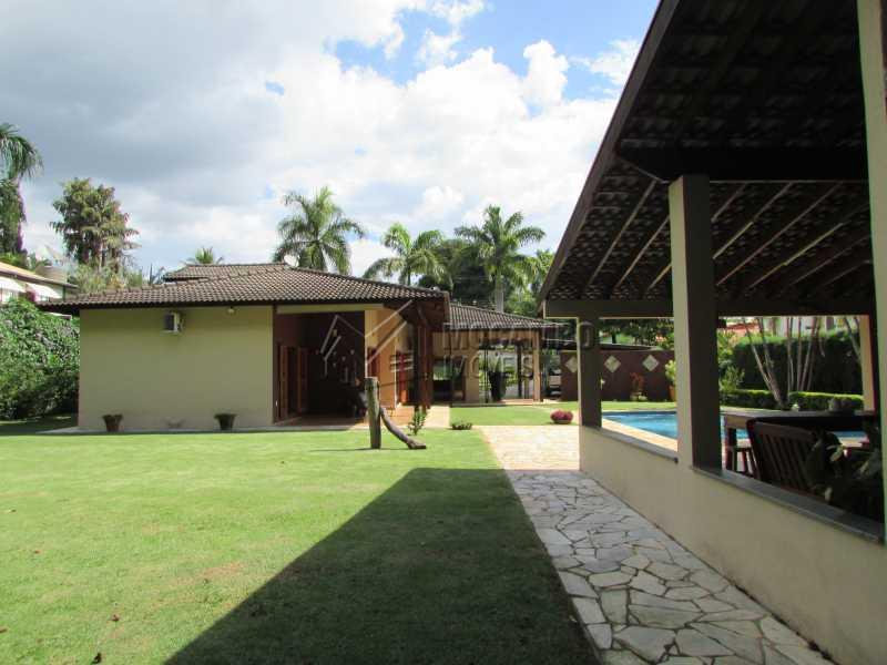 Quintal - Casa À Venda no Condomínio Ville Chamonix - Jardim Nossa Senhora das Graças - Itatiba - SP - FCCN40103 - 8