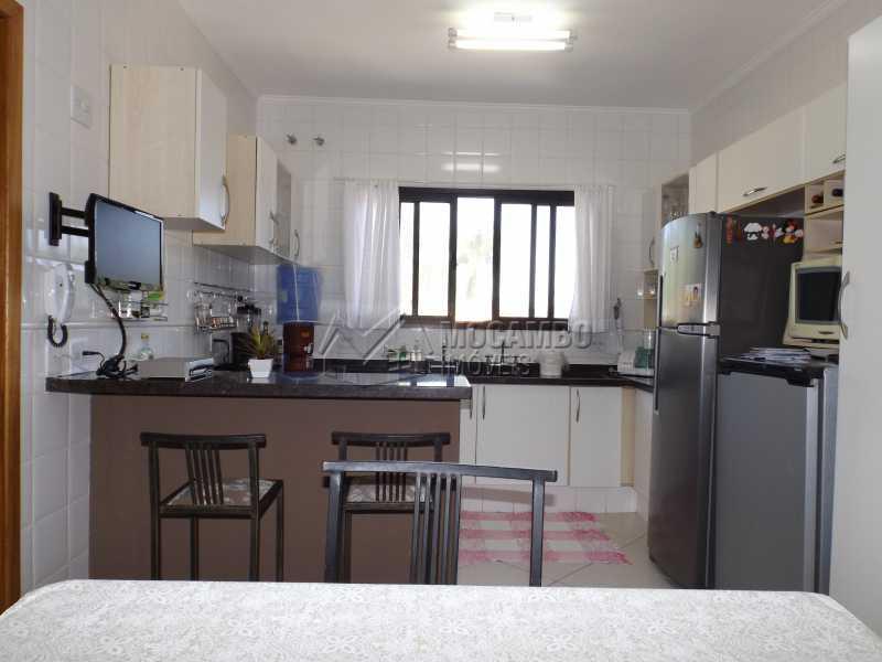 Cozinha - Casa Para Venda ou Aluguel no Condomínio Cachoeiras do Imaratá - Real Parque Dom Pedro I - Itatiba - SP - FCCN30322 - 8