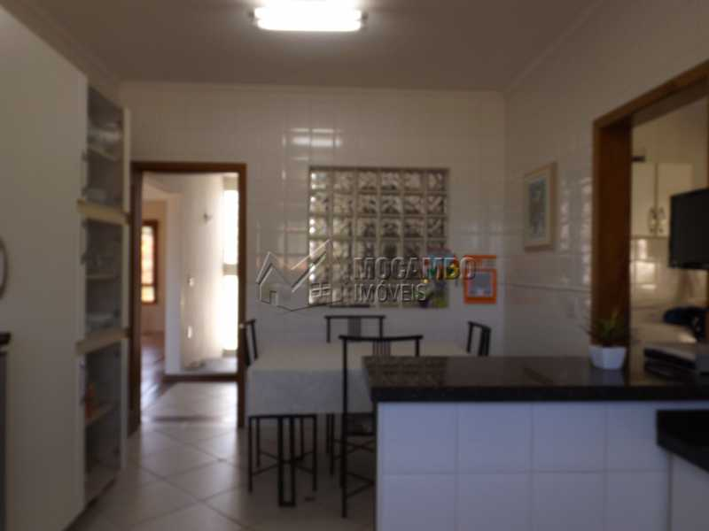 Cozinha - Casa Para Venda ou Aluguel no Condomínio Cachoeiras do Imaratá - Real Parque Dom Pedro I - Itatiba - SP - FCCN30322 - 9