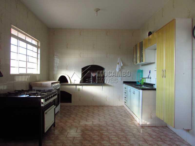 Cozinha área gourmet - Casa em Condominio À Venda - Itatiba - SP - Bairro Itapema - FCCN40106 - 10