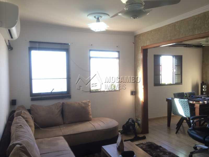Sala - Apartamento À Venda - Itatiba - SP - Residencial Beija Flor - FCAP20743 - 1