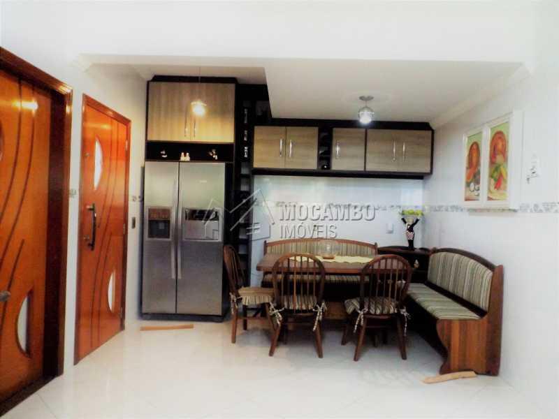 COZINHA  - Casa À Venda no Condomínio Ville Chamonix - Jardim Nossa Senhora das Graças - Itatiba - SP - FCCN40110 - 4