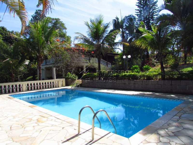 Vista da piscina para casa - Casa em Condomínio 5 quartos à venda Itatiba,SP - R$ 950.000 - FCCN50020 - 1