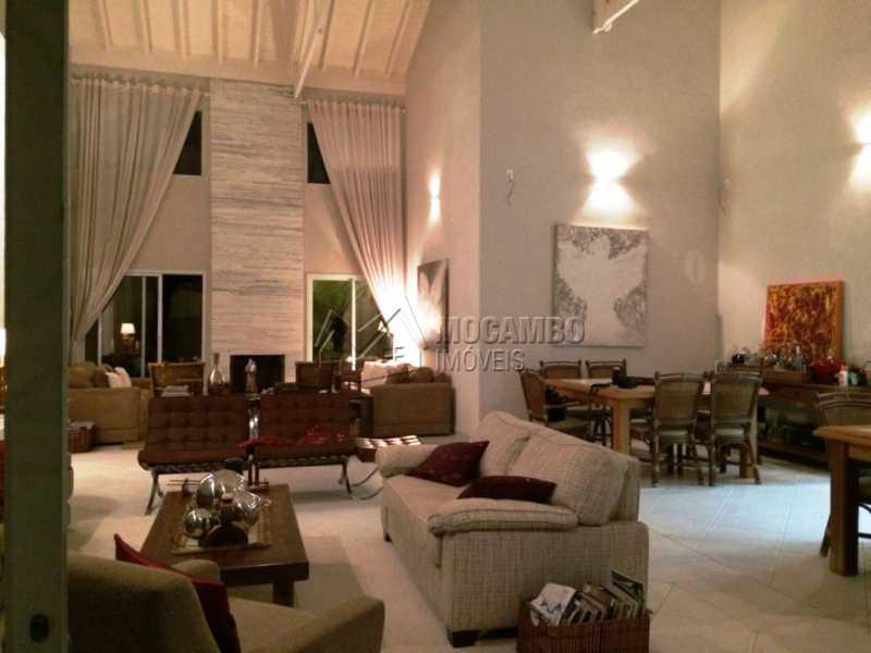 Living - Casa em Condomínio Itatiba, Bairro dos Pintos, SP À Venda, 5 Quartos, 585m² - FCCN50021 - 3