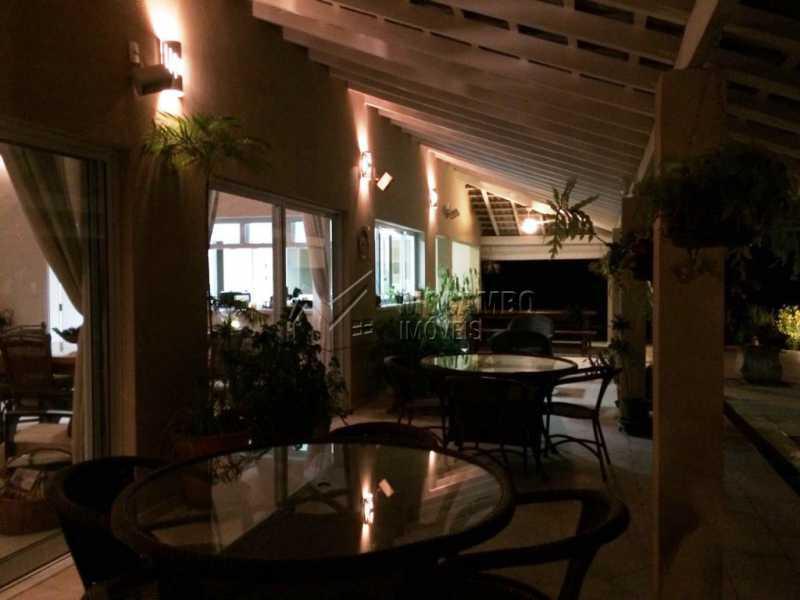 Living - Casa em Condomínio Itatiba, Bairro dos Pintos, SP À Venda, 5 Quartos, 585m² - FCCN50021 - 4