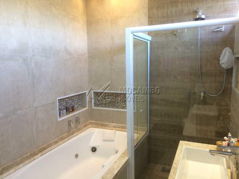 Banheiro suíte - Casa em Condominio em condomínio À Venda - Condomínio Ville de France - Itatiba - SP - Jardim Nossa Senhora das Graças - FCCN30333 - 12
