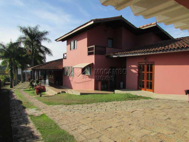 Acesso a Garagem - Casa em Condominio À Venda - Itatiba - SP - Ville Chamonix - FCCN30339 - 4